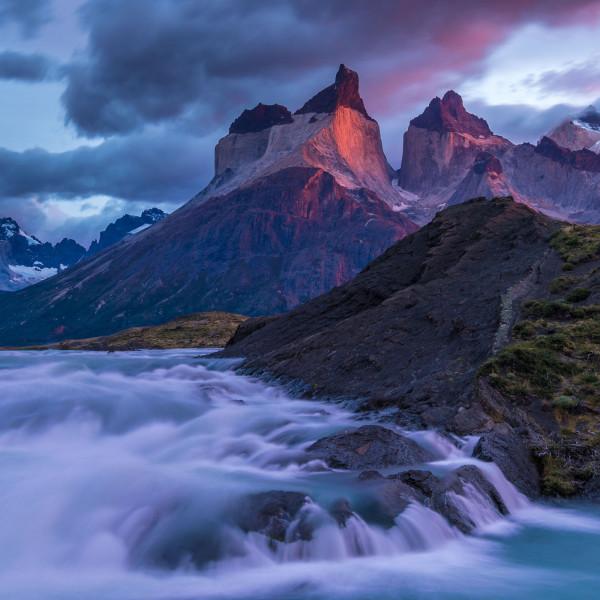 v_27046_01_Die Anden_CHILE_Die_Cuernos_del_Paine_Im_Torres_del_Paine_Nationalpark.jpg