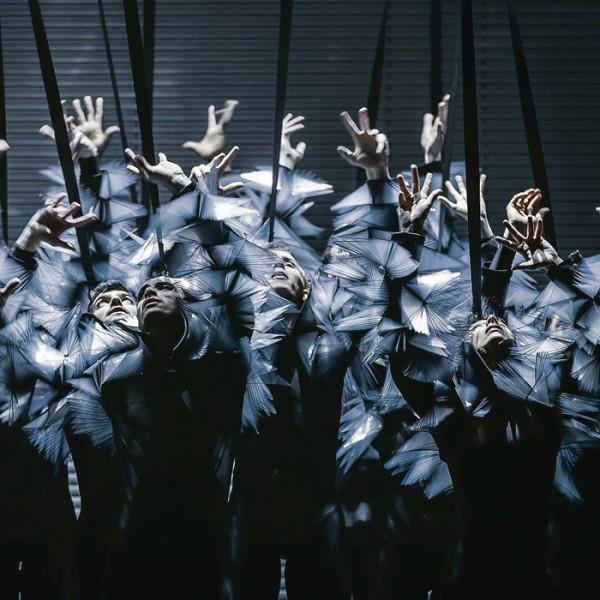 v_26473_01_Impulse_Zero_Nanine_Linning_2020_1_Theater_Weimar_Kalle_Kuikkaniemie.jpg