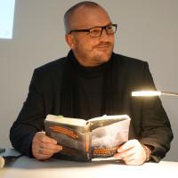 """Tim Pröse liest """"Jan Fedder. Unsterblich"""""""