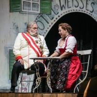 v_24644_01_Im_weissen_Roessl_2019_1_Theater_Erfurt_Lutz_Edelhoff.jpg