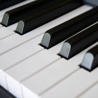 v_26642_01_Klavierspielerin_c_pixabay_2020_Dacheroeden.jpg