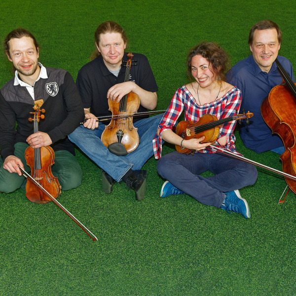 v_27930_01_Musikalische_Buehnenmeister_Spohr_Quartett_2021_1_Ekhof.jpg