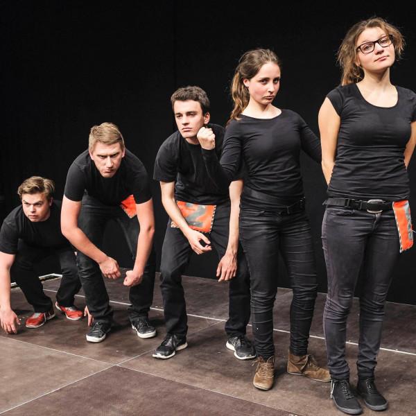 v_27434_01_Teatrapak_Improvisationstheater_2020_1_Sommerkomoedie.jpg