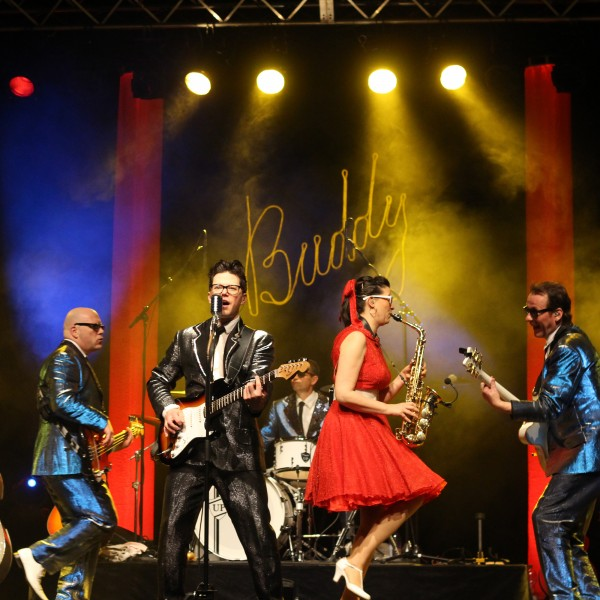 v_25904_03_Buddy_2020_3_Buddy_in_concert.jpg