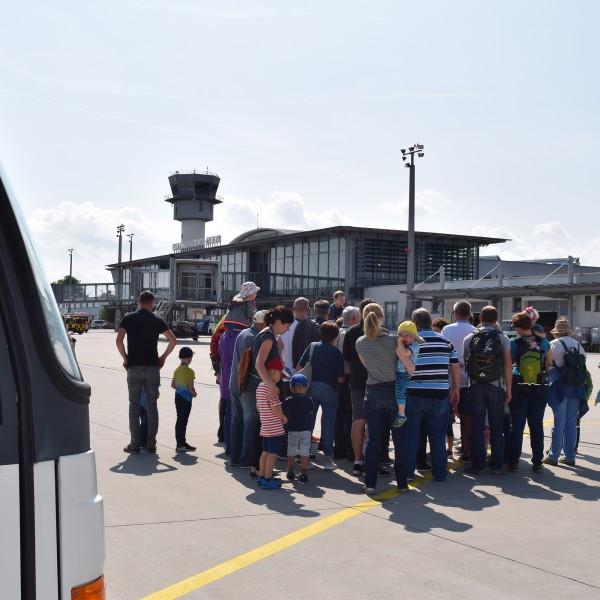 v_26257_02_Sonntags_Tour_02_2020_Flughafen.jpg