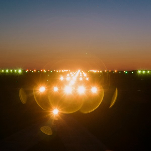 v_22918_01_NachtTour_2019_1_Flughafen_EF.jpg